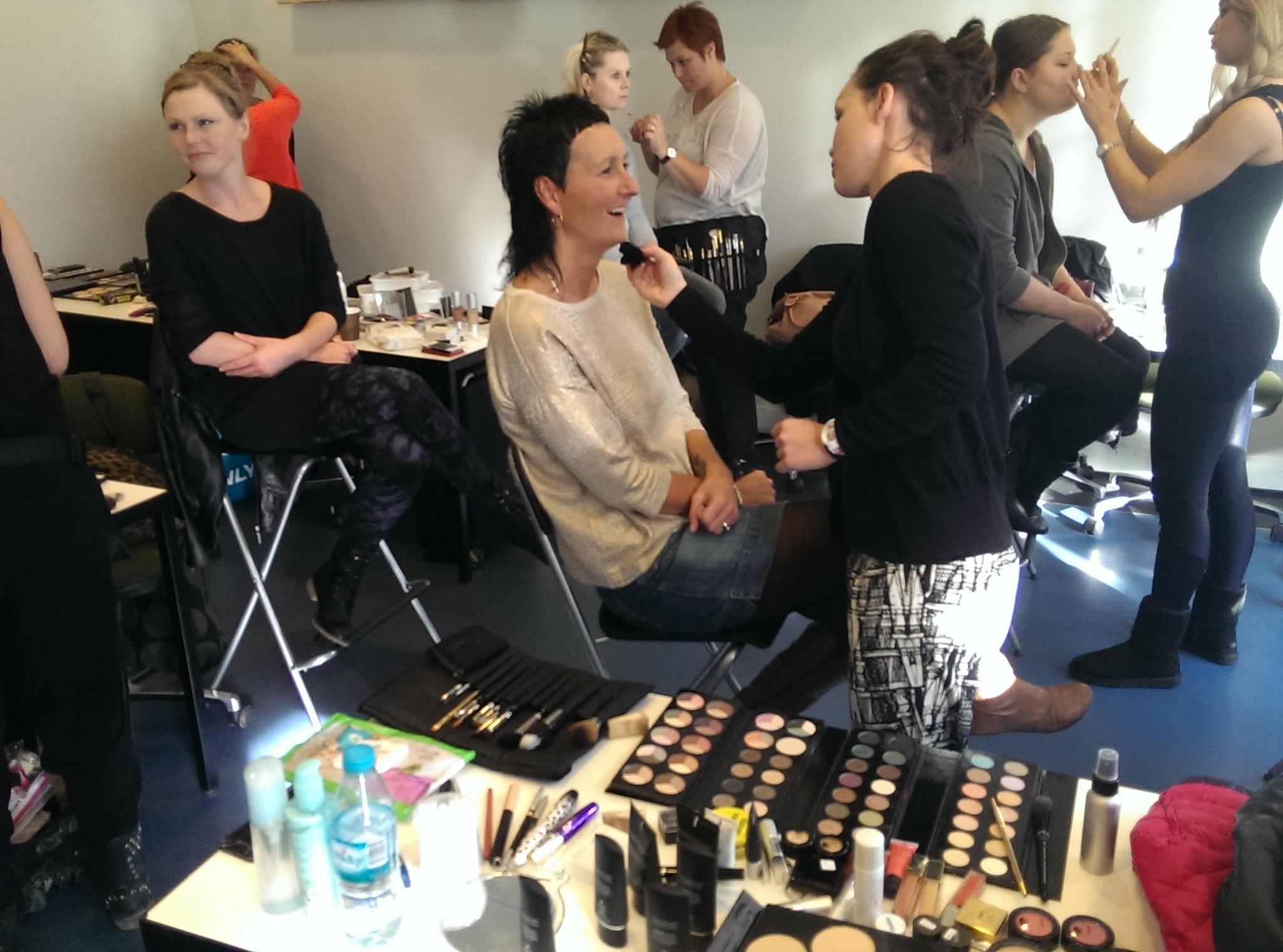 Camilla specialiserer sig indenfor makeup