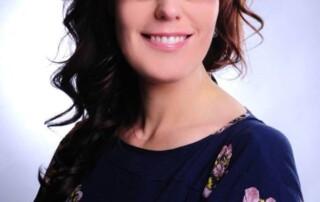 Kosmetolog uddanner sig til makeup artist